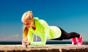 Планка - королева фитнеса. Лучшее упражнение для тренировки спины.